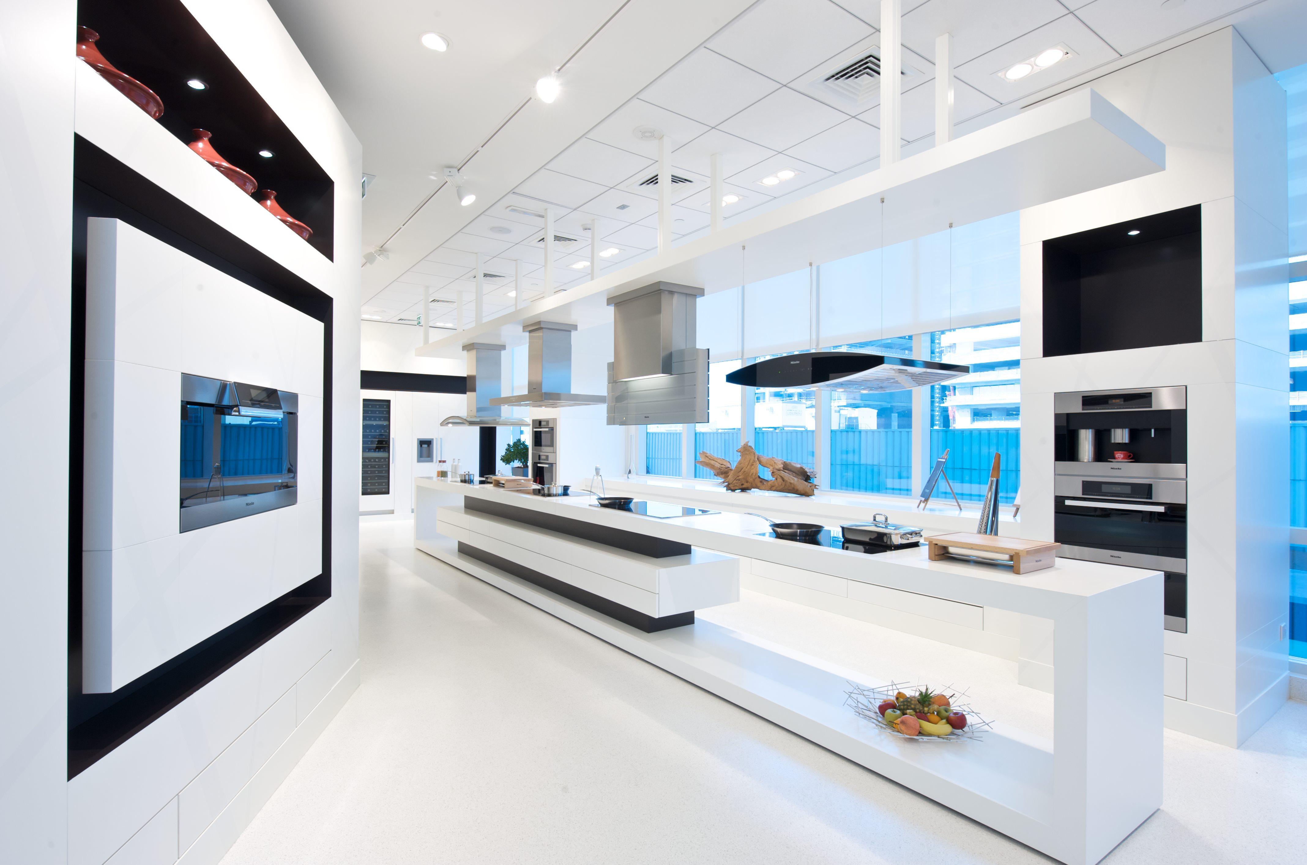 Pavimento in resina per cucina di design la resina di for Pavimento per cucina